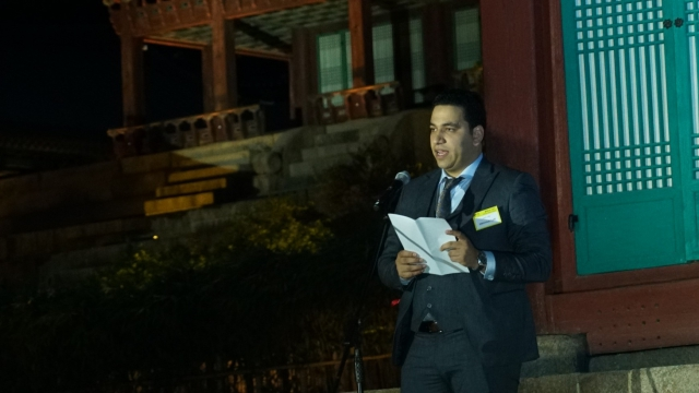 Mahmoud Lotfy delivers speech at 2019 Prix Voltaire ceremony in Seoul, Korea