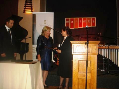 Ana Maria Cabanellas (IPA President) & Rakel Dink receiving the Prize on behalf of her late husband Hrant Dink on the occasion of the Freedom to Publish dinner jointly hosted by IPA and PASA, the Publishers Association of South Africa.